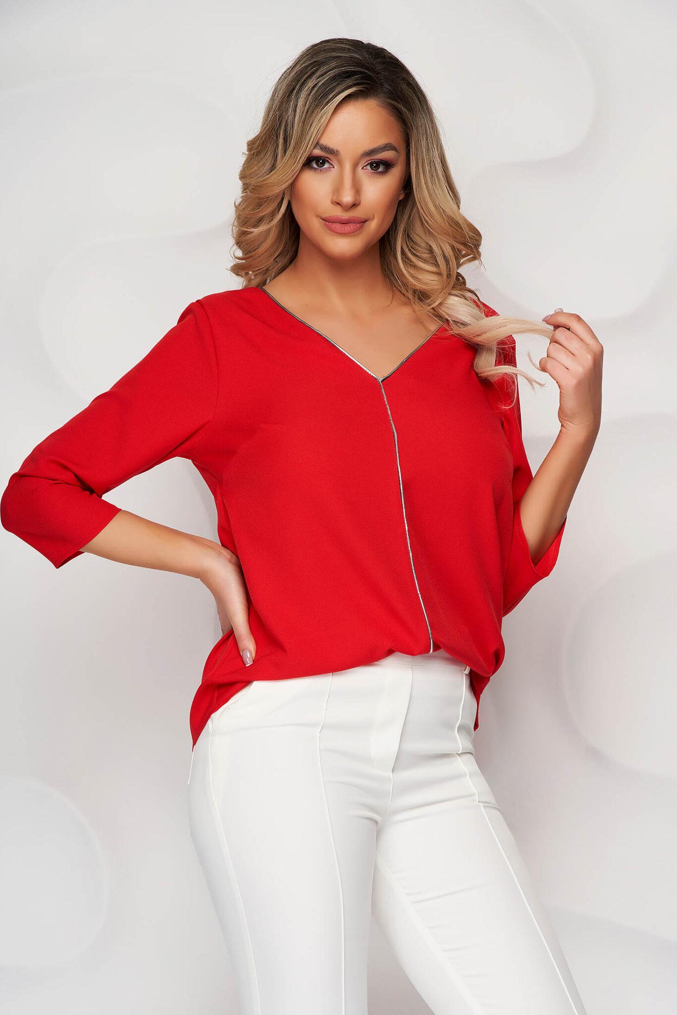 Bluza dama Lady Pandora rosie cu croi larg cu decolteu in v la spate si in fata cu aplicatii cu sclipici