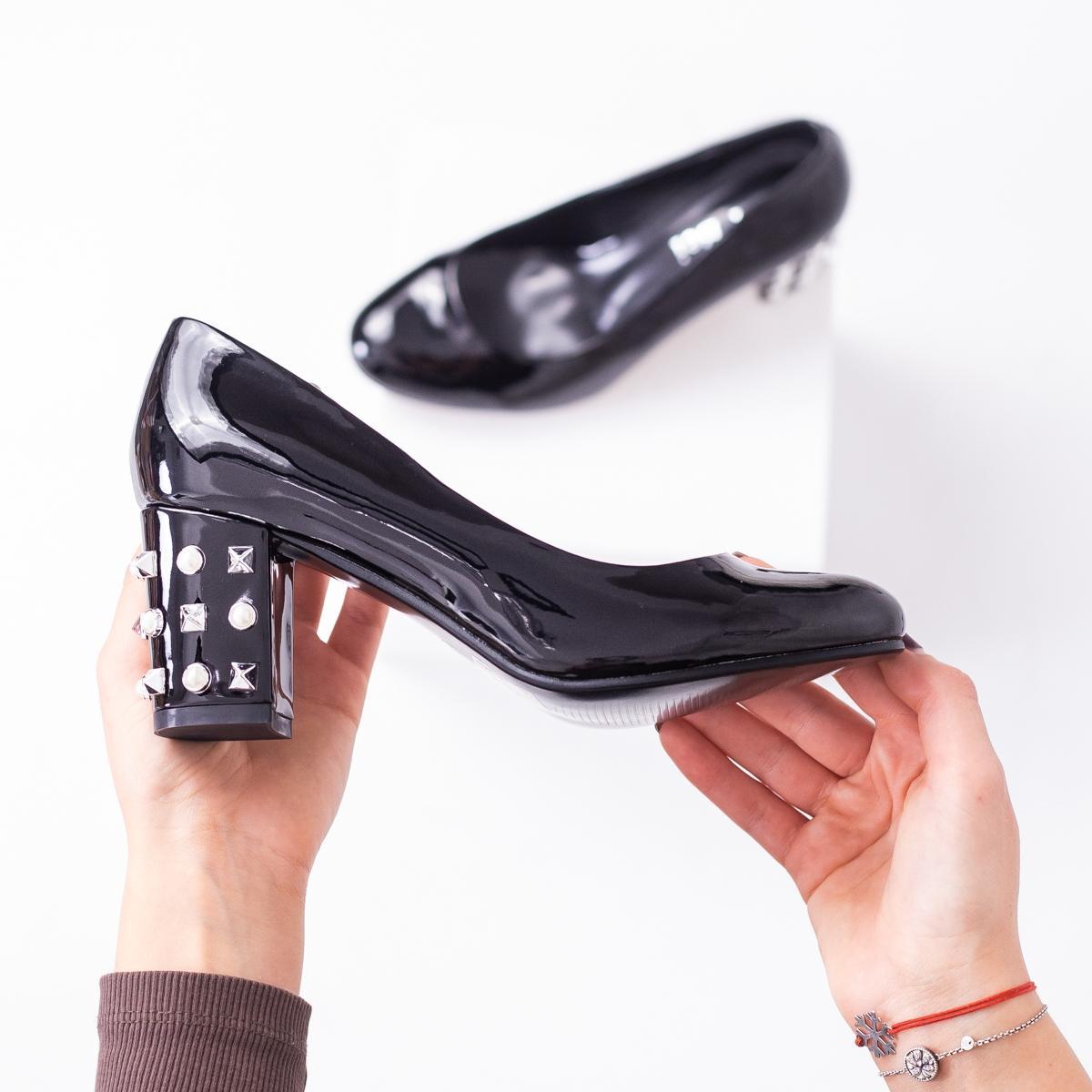 pantofi-cu-toc-dama-negri-grandeli
