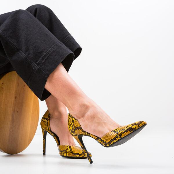 pantofi-jake-galbeni